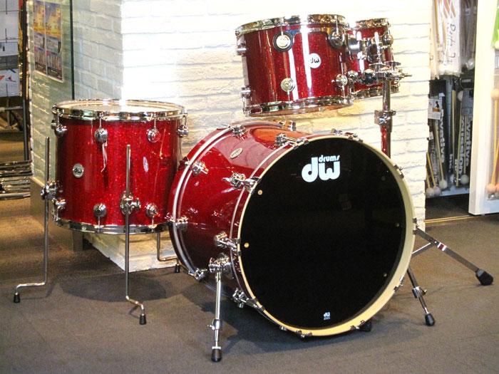 送料無料!!dw(ディーダブリュー)ドラムセット Collector's Series 4点Set Ruby Glass 22