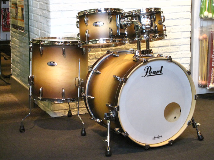 送料無料!!Pearl(パール)ドラムセット MCT924BEDP/C 351 Satin Natural Burst Masters Maple Complete