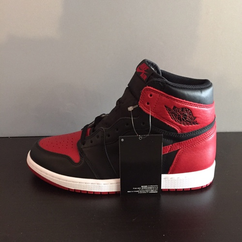 23e5ddc2dced NIKE AIR JORDAN 1 RETRO HIGH OG BRED Nike Air Jordan 1 nostalgic high bread  555