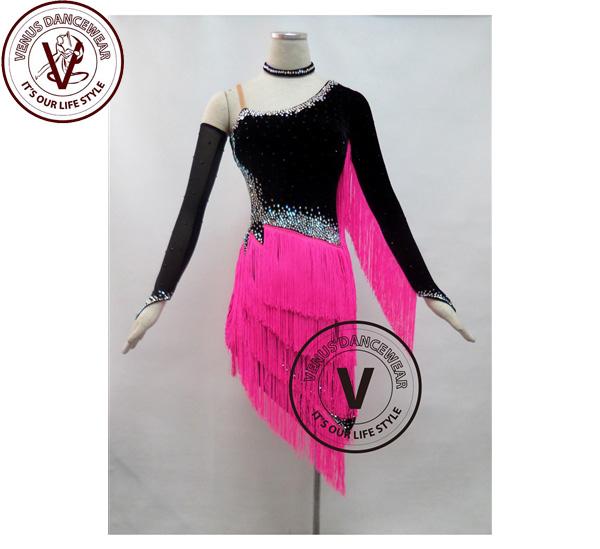 ■ヴィーナスダンスウェア(VENUS DANCEWEAR)ピンク ベルベットフリンジ競技用ラテンリズムダンスドレス・■(社交ダンス 衣装 ウェア ドレス トップス スカート シューズ ダンス トップス 服 パンツ ドレス)