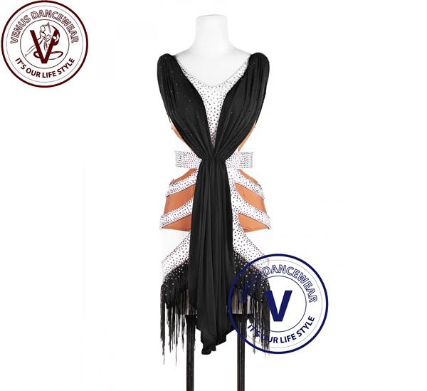 ■ヴィーナスダンスウェア(VENUS DANCEWEAR)黒と白 Vシェイプラテンリズム チャチャチャ サルサ コンクール ダンスレディースドレス・■(社交ダンス 衣装 ウェア ドレス トップス スカート シューズ ダンス トップス 服 パンツ ドレス)