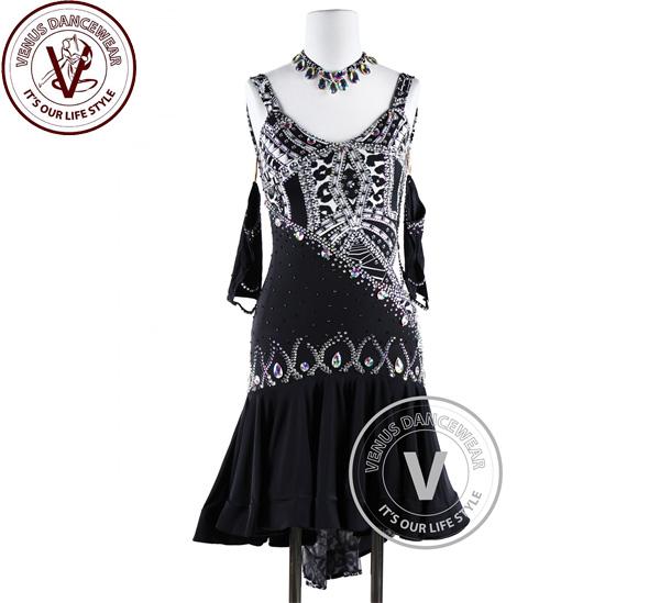 ■ヴィーナスダンスウェア(VENUS DANCEWEAR)黒 スカート 幾何学的なテールラテンリズム チャチャチャ ウェア サルサ 競技用ダンスドレス・■(社交ダンス 衣装 パンツ ウェア ドレス トップス スカート シューズ ダンス トップス 服 パンツ ドレス), フルショット:260ecffd --- sunward.msk.ru