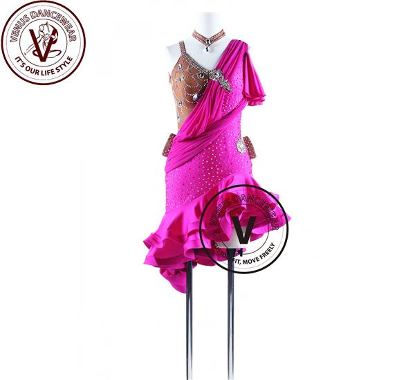■ヴィーナスダンスウェア(VENUS DANCEWEAR)マゼンタラッフル サルサ ラテンリズムコンペティションドレス・■(社交ダンス 衣装 ウェア ドレス トップス スカート シューズ ダンス トップス 服 パンツ ドレス)