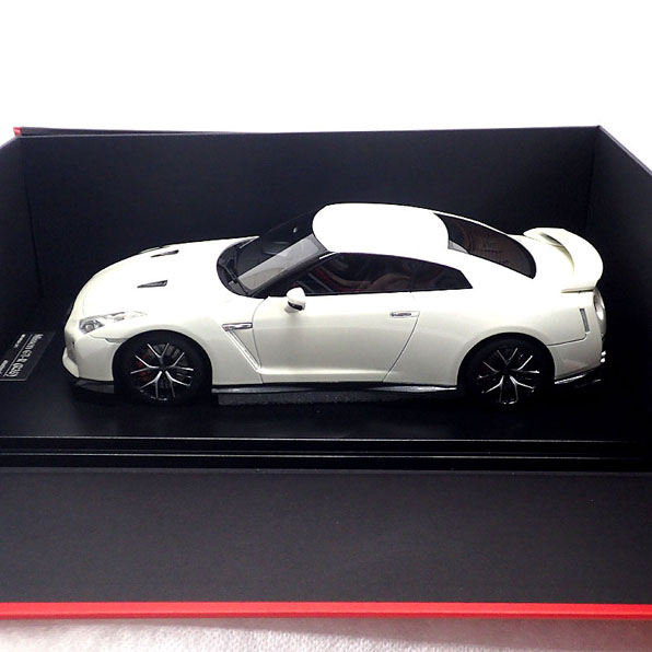 17C03-06 onemodel 1/18 日産 GT-R 2017 Pearl White パールホワイト ワンモデル 誕生日 プレゼント クリスマス クリスマスプレゼント