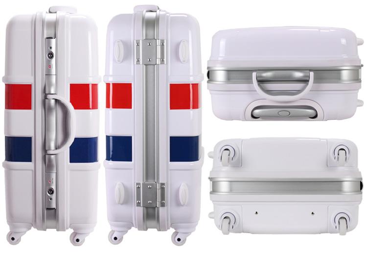 가방 ≪ B1133T ≫ 64cm M 사이즈 (약 5 일 ~ 6 휴가 온) 중간 프레임 유형 TSA 자물쇠 일 乃 정전이 캐스터와 삼 색 무늬 마린 무늬 40% OFF 세일 Tricolore