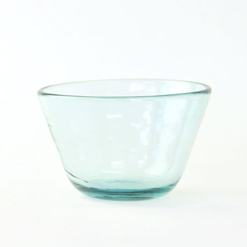 亿原玻璃厂魔界 lamune (琉球玻璃和民间手工艺业)