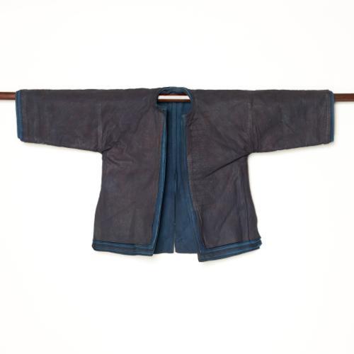 中国 雲南省 ハニ族 男性(子供)藍染衣装 七層