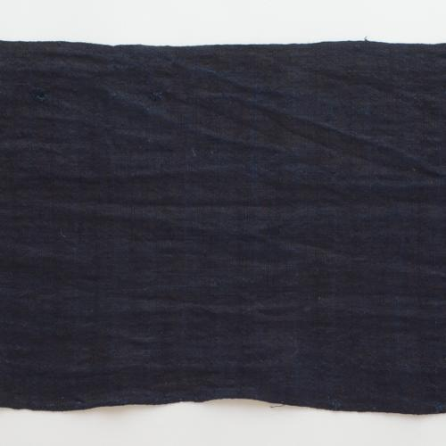ベトナム黒モン族 藍染め布 340 X 26cm