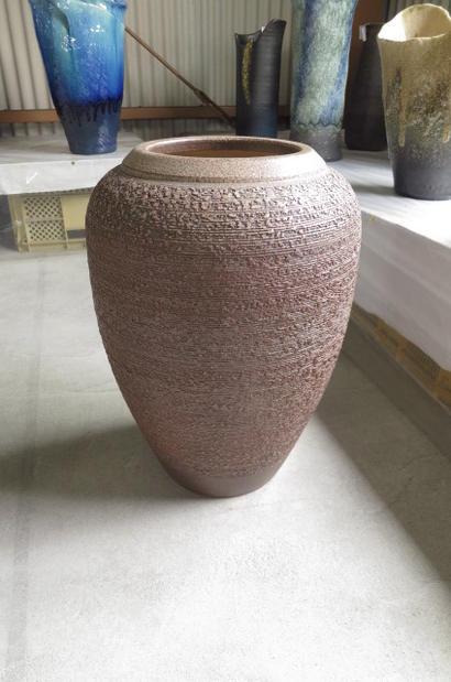 花入れ花瓶伝統の信楽 花入れ  大きいサイズ  コゲ窯肌松皮壺型花瓶 特大