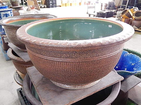 日本六古窯の一つで1300年の  滋賀県 信楽焼き 水鉢信楽焼き(水蓮鉢・はす鉢・メダカ鉢他) 睡蓮鉢  大きいサイズ  水鉢  幅 約 60センチの 大きめの睡蓮鉢や めだか鉢に