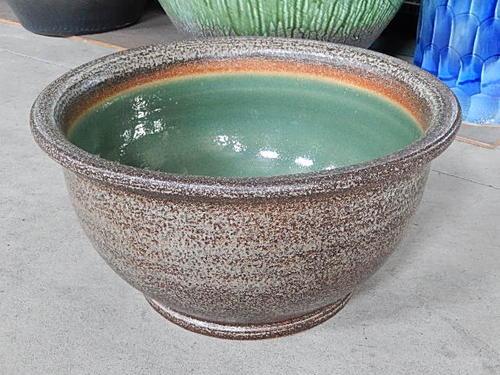 日本六古窯の一つで1300年の  滋賀県 信楽焼き 窯肌 水鉢 スイレン鉢 大きいサイズ  幅50センチ