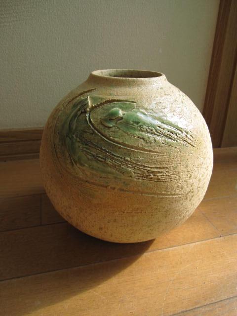 花は花瓶一つで 変わります。 信楽花器 信楽焼き ビードロ斑点花瓶信楽花瓶