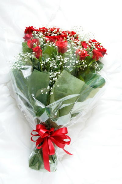 Getting Red Roses Bouquet Birthday Wedding Anniversary Hy In A Mood