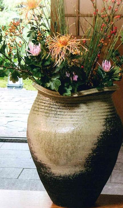 信楽大壺花瓶にも 傘立にも ご使用できます。伝統の信楽
