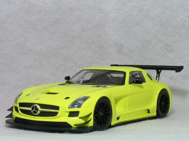 ミニチャンプス 1/18 メルセデス ベンツ SLS AMG GT3 ストリート / イエロー