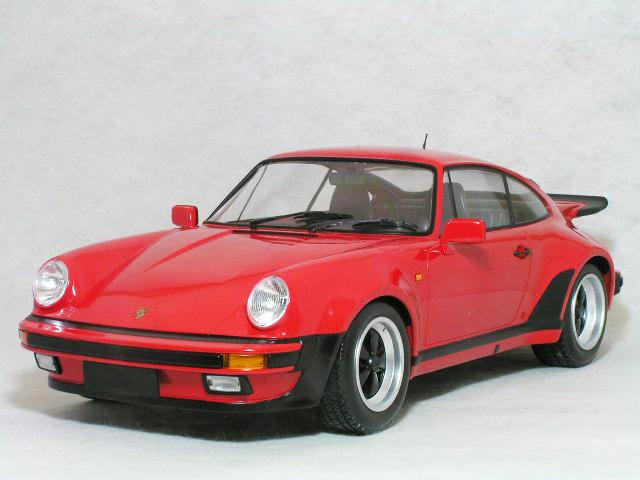 ミニチャンプス 1/12 ポルシェ 911 ( 930 ) ターボ / 1977年 レッド