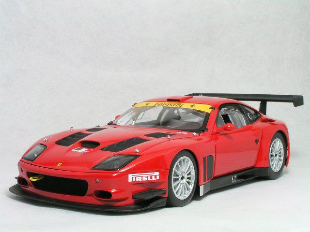 Kyosho 1/18 スケールフェラーリ 575 GTC エボルッオーネレッド
