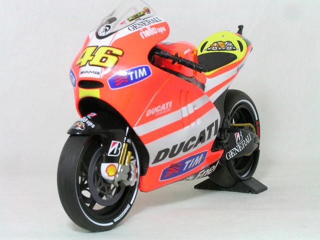 ミニチャンプス 1/12ドゥカティ デスモセデッチ GP11.1バレンティーノ・ロッシ モトGP 2011年 ドゥカティ ワークス チーム