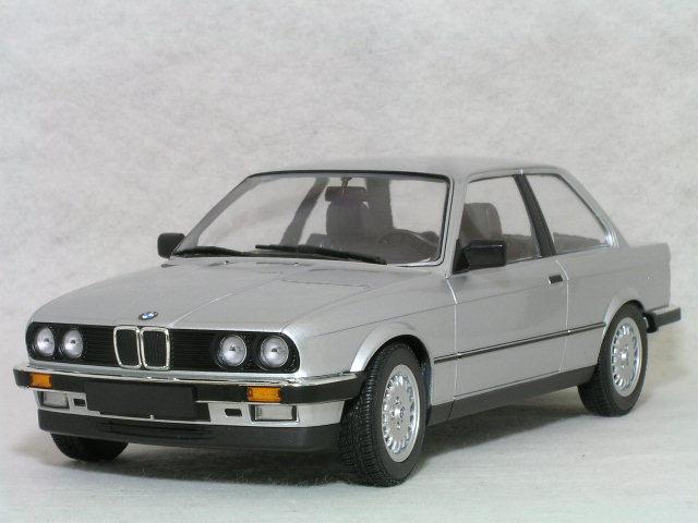 ミニチャンプス 1/18 BMW 323I ( E30 ) / 1982年 シルバー