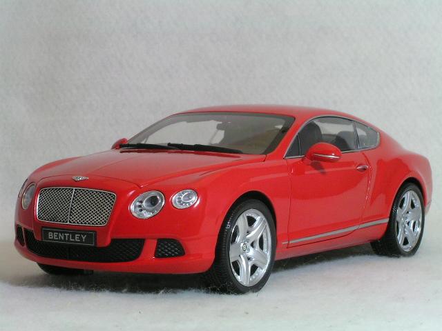 ミニチャンプス 1/18 ベントレー コンチネンタル GT / 2011 レッド