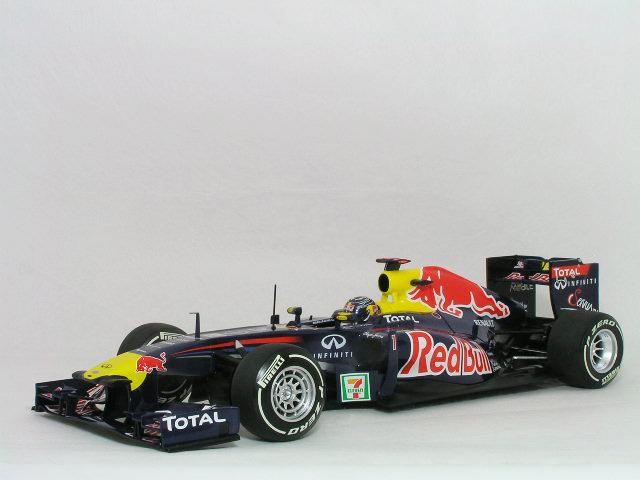 当季大流行 ミニチャンプス 1/18 レッド ブル レーシング ルノー RS7 / セバスチャン・ベッテル 2011年、日本グランプリ, Blue century e7aa1182
