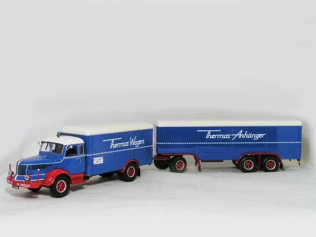 ミニチャンプス 1/43 クルップ タイタン 2連結トレーラー / 1950年