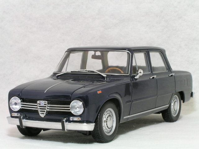 ミニチャンプス 1/18 アルファ ロメオ ジュリア 1300 スーパー / 1966年 ダーク ブルー