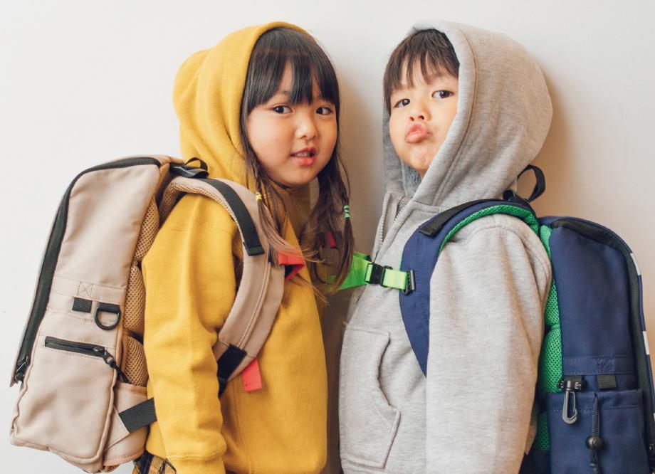 RAKURIラクリ新しい通学鞄ラクなリュック