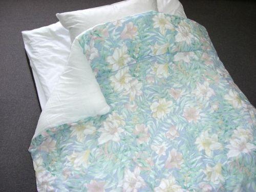 日本製 お買得 中わたふわふわ 抗菌防臭わた入り肌掛け布団 無料
