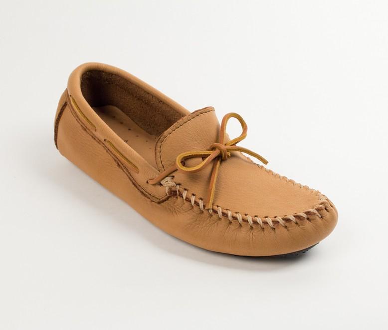 【10%OFF&5倍ポイント】 【最大30%OFFセール】 【ミネトンカ 公式】MINNETONKA メンズ シューズ モカシン 男性 スエード 革靴 ビジネス 履きやすい 人気 コーデ おすすめ ブランド 「MooseHide DrivingMoc」 950 KIDSMENS