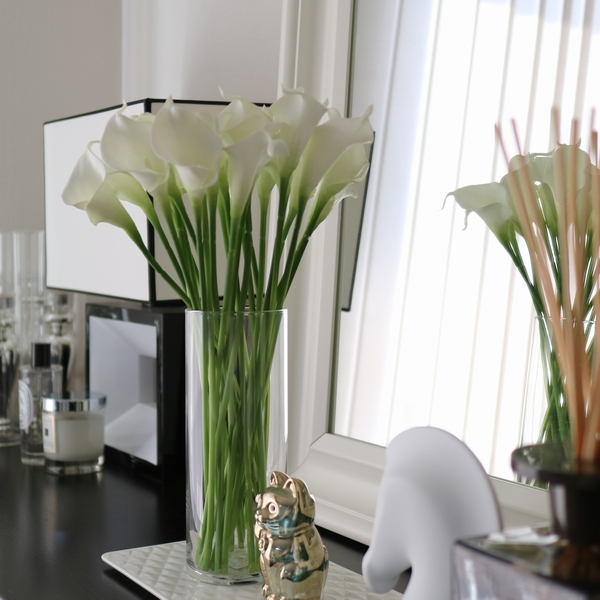 -Based simple flower / flower vase / vase