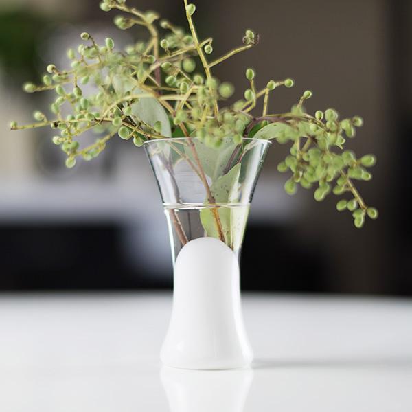 Obverse silver color roundstone a flower vase / vase / vase