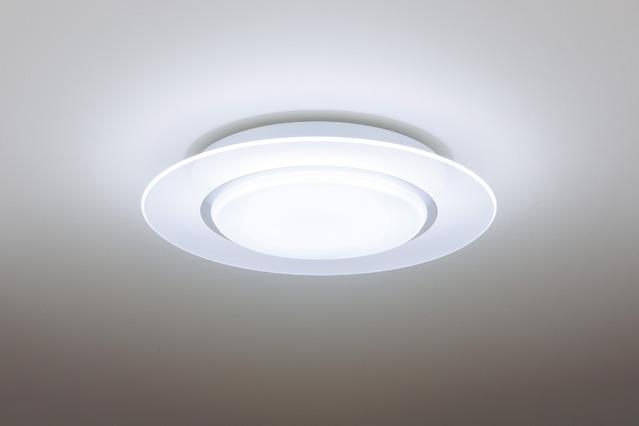 ♪Panasonic HH-CB1480A♪在庫あります!【送料無料】(北海道・九州は送料500円、沖縄県は送料2500円) パナソニック LEDシーリングライト リモコン付 ~14畳用 調光、調色タイプ「AIR PANEL LED」【kk9n0d18p】