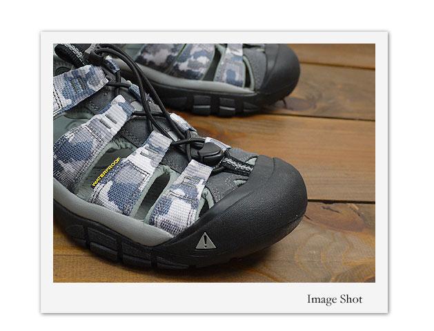 热衷于热衷于新港 H2 迷彩 MNS 运动凉鞋纽波特 H2 迷彩男装白色迷彩 (1001945 SS10)