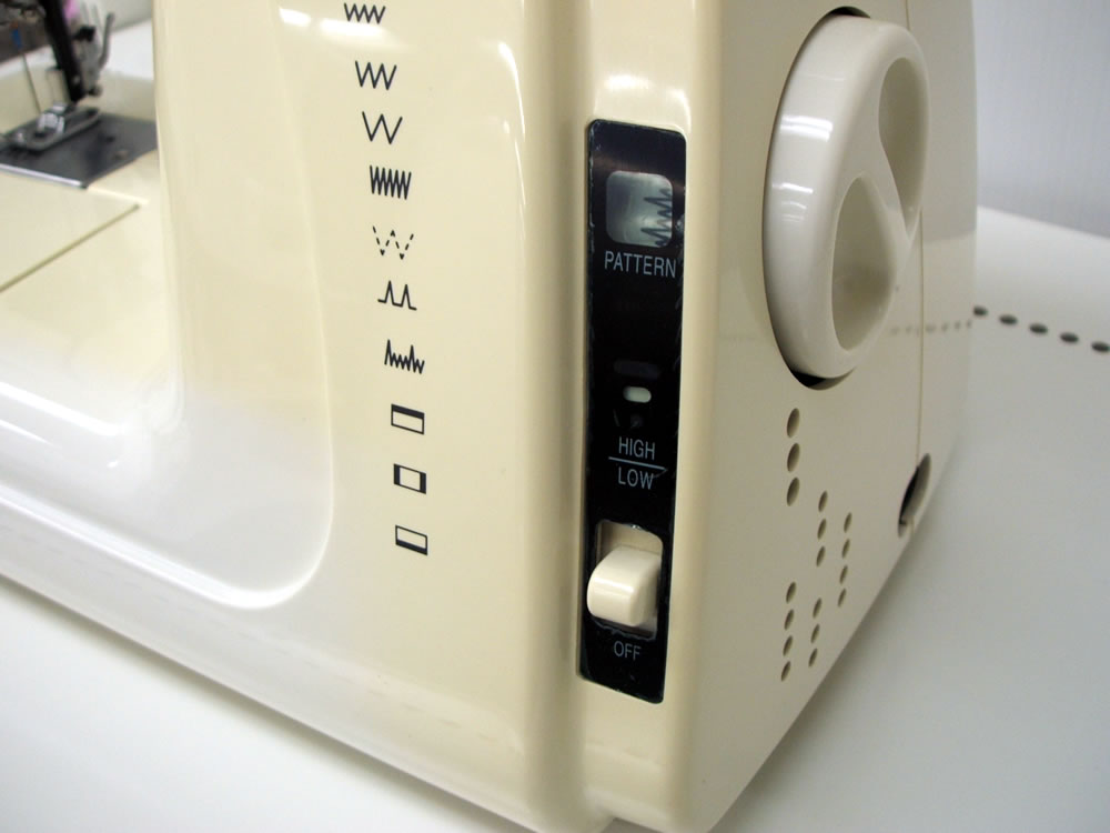 """亚克斯山崎电动缝纫机""""MS-9100""""(MALICK STAR)02P04Jul11"""