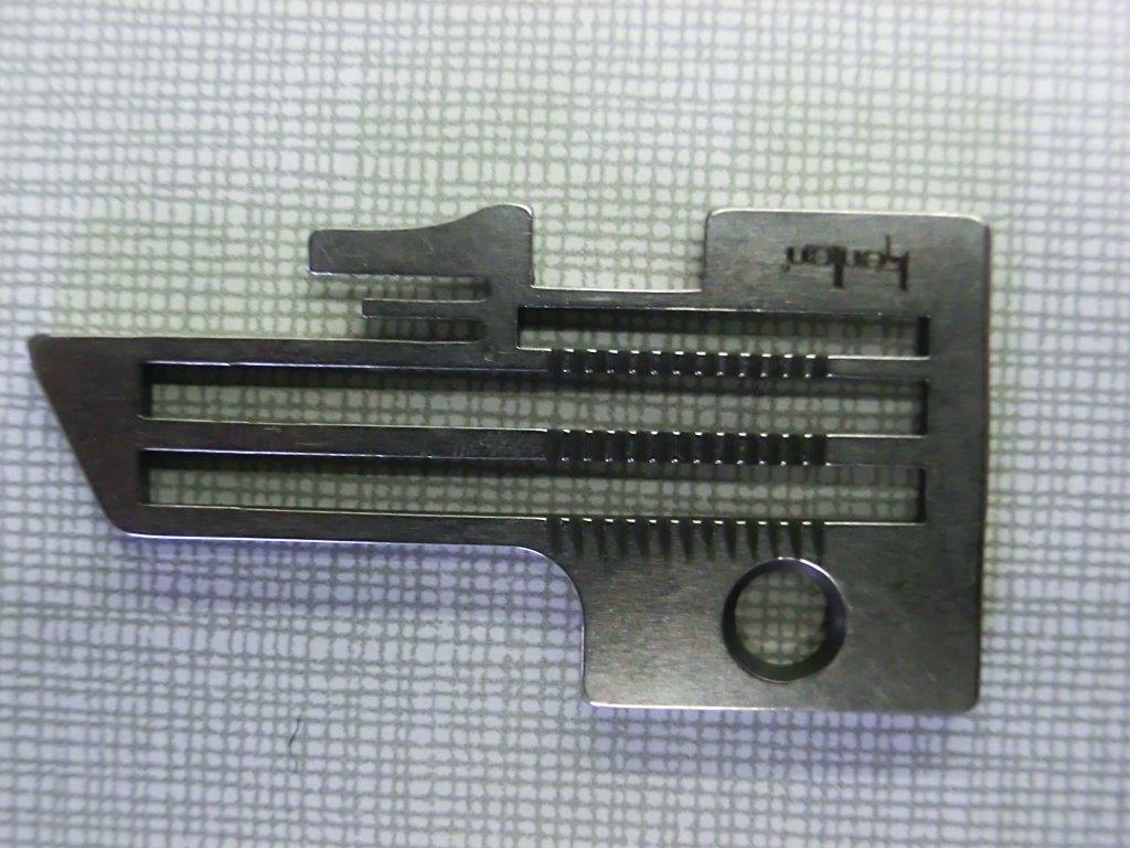 ヤマトミシン 2本針4本糸オーバーロックミシン  DCZ-720-Y用の針板