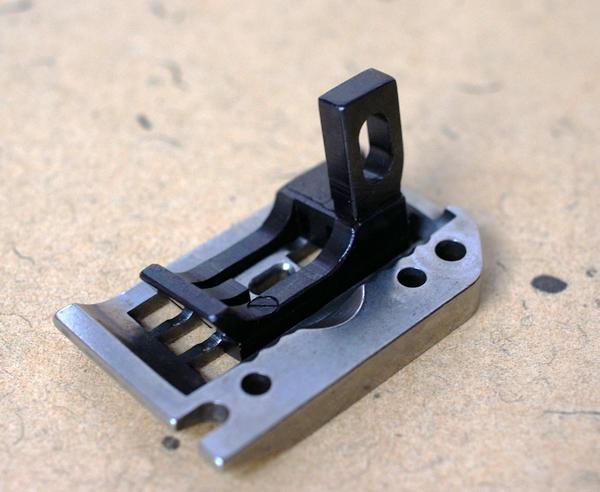ユニオンスペシャル 43200G用 針板と送り歯セット