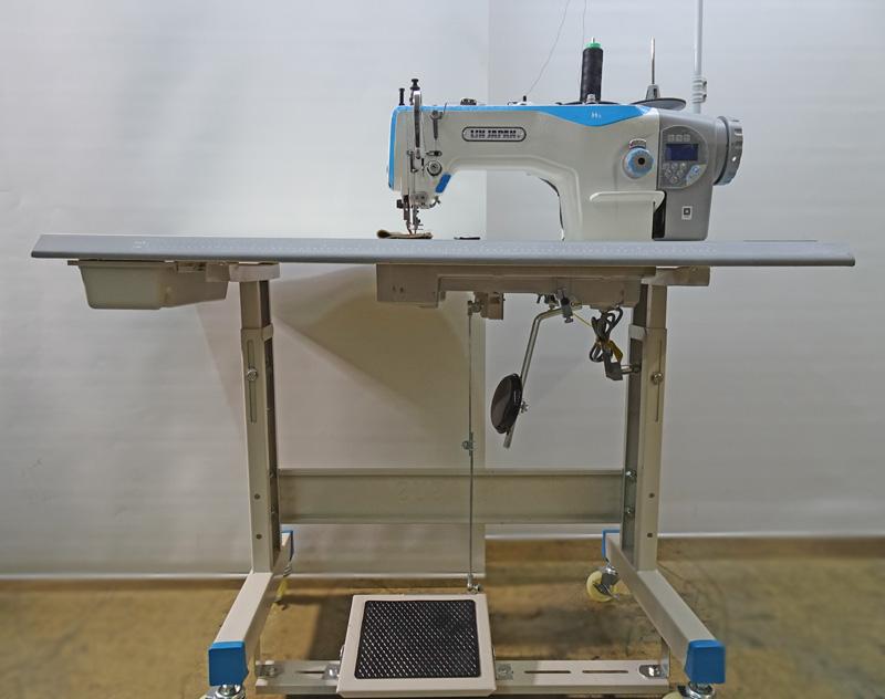 1本針本縫い自動糸切りミシンダイレクトモーター仕様。 モデルNO-SSM-H5-CZ3型ミシン 200V仕様 100V仕様は税別21,800円プラスになります。