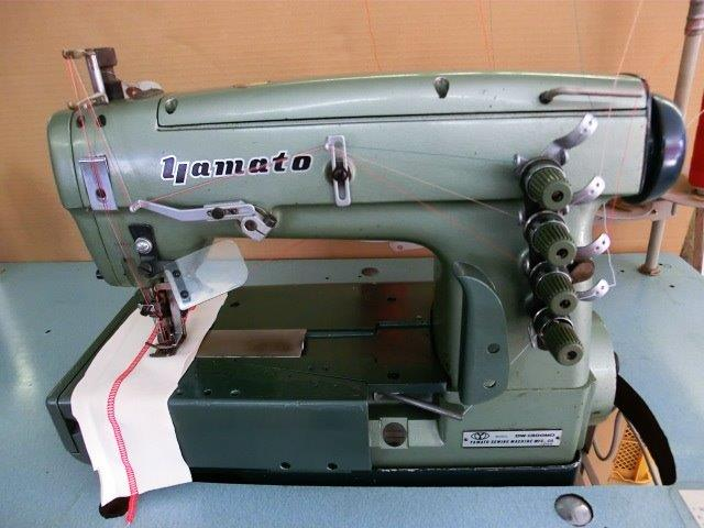 【中古】 ヤマトミシン モデルNO- DW-1300MDー356 3本針両面飾り縫い扁平縫いミシン