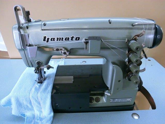 【中古】 ヤマトミシン 3本針扁平縫い両面飾り機構付き。モデルNO-DW-1350-MD。