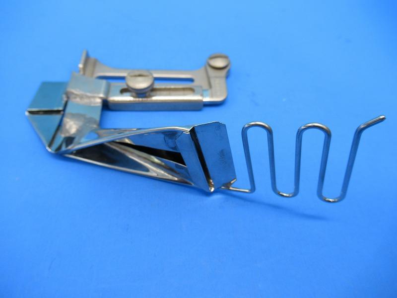 中古 各メーカーの1本針工業用ミシンに取り付けてお使いいただけます ポロシャツの襟伏せ縫製等に便利です SALE開催中 メーカー在庫限り品 SSM-20型