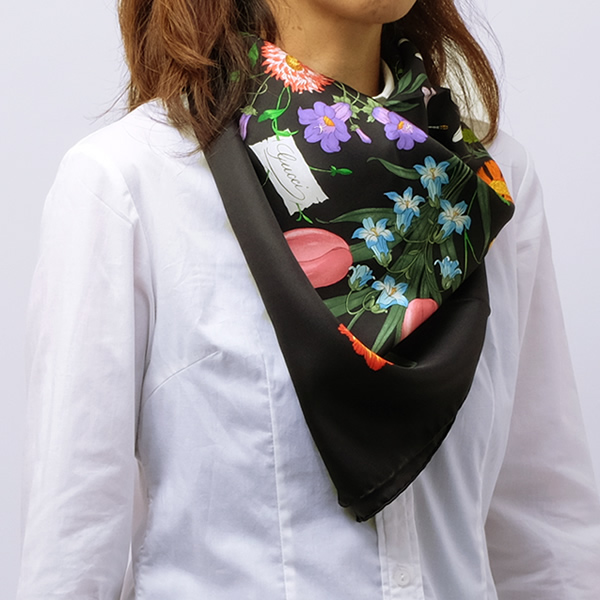 グッチ GUCCI シルク スカーフ フローラプリント 花柄 ブラック基調 [レディース] 022796 3G001 1001