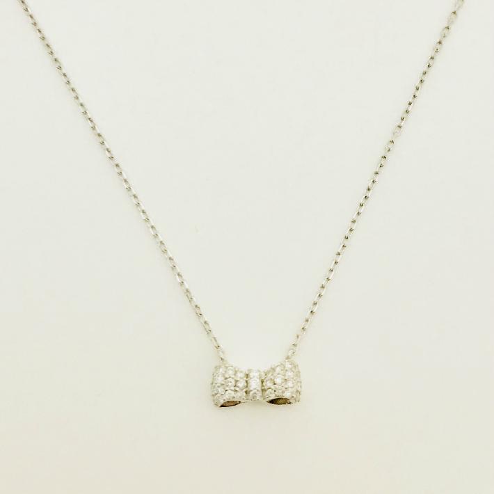 送料無料 現品限り 超特価 18金 K18ホワイトゴールド ダイヤモンドネックレス リボンペンダント