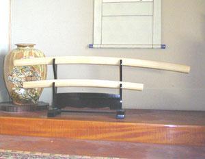 日本刀 美術 模造刀 白鞘 大刀 小刀 2点セット 白さや 床の間の飾り物に 掛け台付き AB-142Japanese sword / large sword small sword 2 piece set