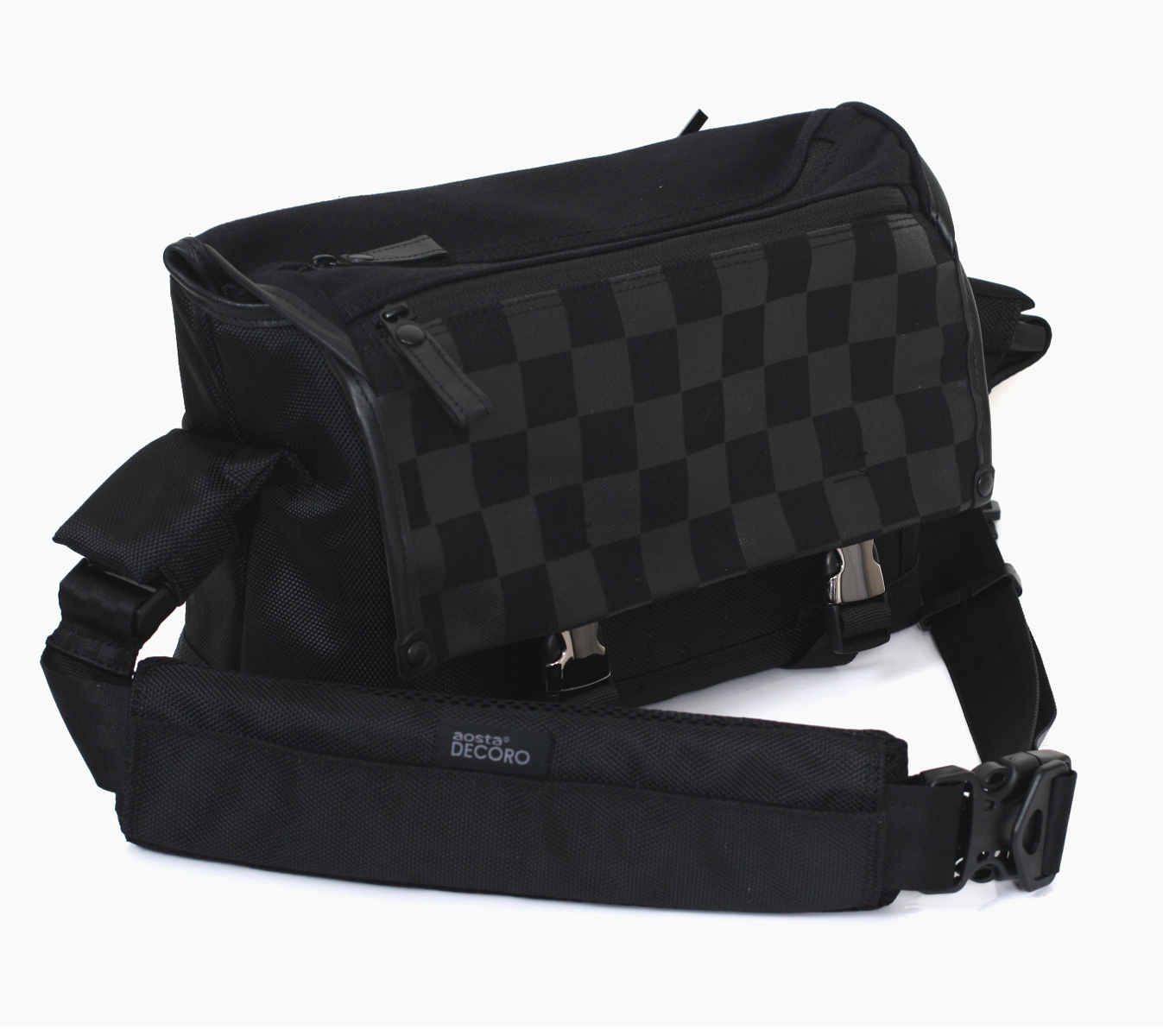"Aosta デコーロ M AOS-DC1SHM-BK ""1 ~ 3 business days after shipping, the impressive shoulder camera bag is a checkerboard design. Camera bag that can store accessories with lens digital SLR, lens 1 book,. The fs3gm"