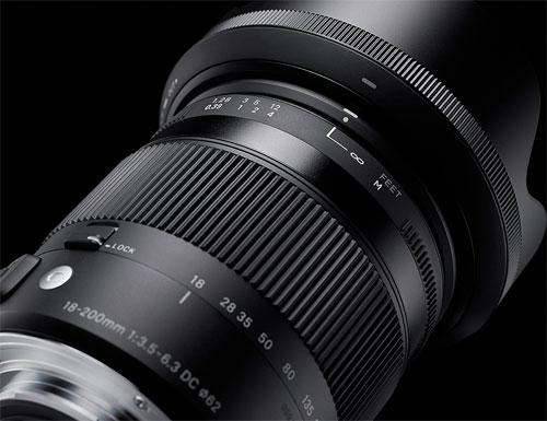 [3年保険付] SIGMA 18-200mm F3.5-6.3 DC MACRO OS HSM『即納~3営業日後の発送予定』小型に設計されたレンズ内手ブレ補正機構付きAPS-Cセンサーカメラ用11.1倍ズームレンズContemporaryシリーズ[02P05Nov16]