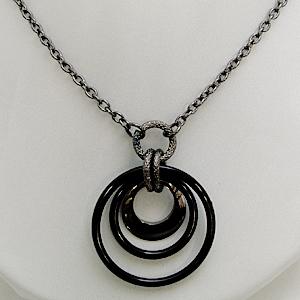 業界No.1 販売 胸元にゴージャスなきらめきを 送料無料 月輪 リングネックレス 安心安全の国産 日本製 n3139