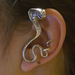 コブライヤーフック(左耳用) シルバー925 イヤーラップ 耳にかける メンズ レディース スターリングシルバー イヤーラップ 高級 蛇 スネイク スネーク ヘビ イヤーカフ 開けない 痛くない 引っ掛けるだけ オリジナル おもしろ 立体 3D イヤリング ノンホール 耳にかける