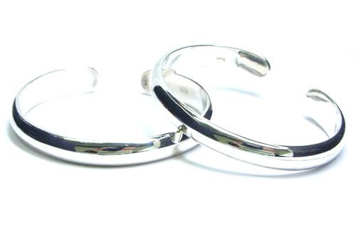 甲丸シルバーバングル(M)シンプル プレーン シルバー925 スターリングシルバー 高級 腕輪 アームレット メンズ レディース 二の腕 低アレルギー シルバーアクセサリー 手首 シルバーブレスレット ペア オリジナル