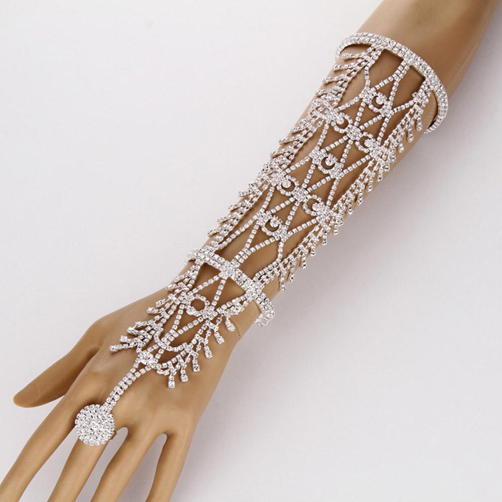 ウエディングクリスタルフィンガーブレスレットアームレット 1個販売 フィンガーリング 指輪 手首 2の腕 繋ぐ 結婚式 パーティー コスプレ 甲冑 キラキラ ファランジリング レディース フリーサイズ 鎧 パヴェ おもしろ 面白い 高級 腕輪 バングル ハロウィーン ハロウィン